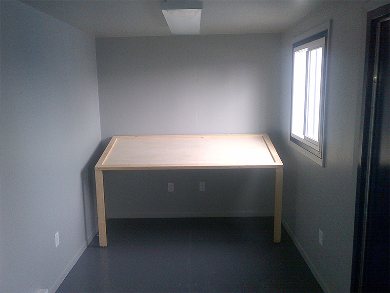 Storage unit with desk